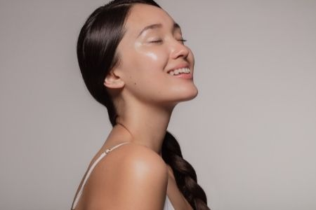 how to brighten skin at home